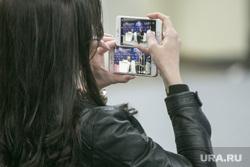 Российский инвестиционный форум в Сочи. Второй день. Сочи, айфоны, онлайн трансляция, снимает на телефон, смартфоны, сториз