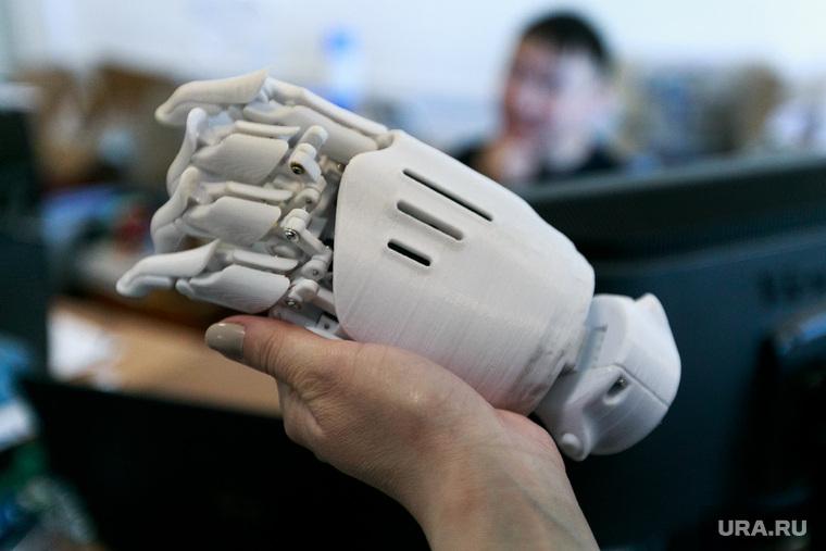Репортаж про якутских ученых. Якутск, электроника, бионическая рука, бионический протез, изобретения, робототехника, инновации
