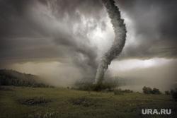 Яхты, ураган, горнолыжный курорт, горы, солнце, солнечная система, ураган, воронка, торнадо, природные катаклизмы, штормовой ветер, циклон