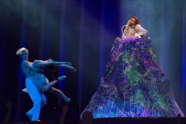 Представительница Российской Федерации Юлия Самойлова выступит сегодня вовтором полуфинале Евровидения
