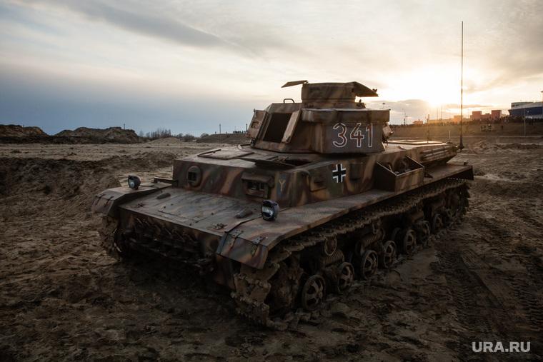 Реконструкция боевых действий Великой Отечественной войны. Сургут, реконструкция боя, немецкий танк, т-4, pz IV