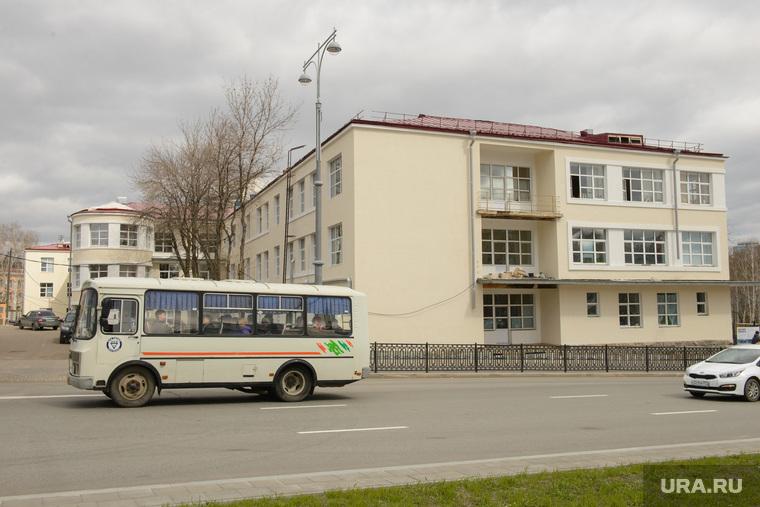 Благоустройство города в районе Екатеринбург-Арены, окружной военный клинический госпиталь354