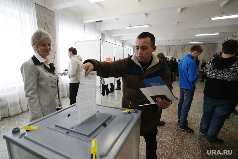 Выборы президента РФ в Перми, урна для голосования, голосование, выборы 2018, избирательный участок