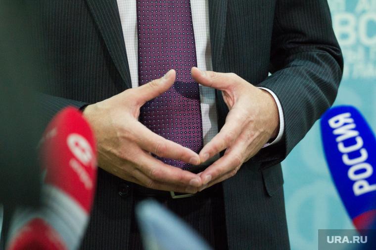 Пресс-подходы. Правительство ХМАО. Ханты-Мансийск., сидоров павел, сложенные пальцы