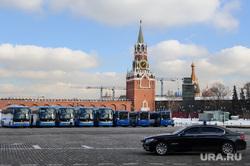 Зимняя Москва, спасская башня, город москва, кремль, правительственная машина