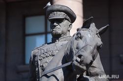Возложение цветов к памятнику Жукову. Екатеринбург, памятник жукову