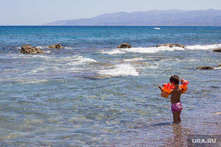 Греция. Крит., ребенок, море, пляж, купание, отдых