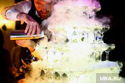 VIP Кароке-батл. Юбилей портала «Очевидец». Курган, бармен, дым, алкоголь, пирамида из бокалов, сухой лед