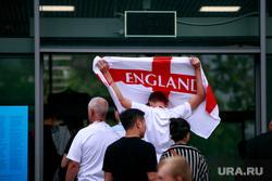 """Стадион """"Лужники"""" перед матчем полуфинала Чемпионата Мира FIFA 2018 Англия-Хорватия. Москва, england, английские болельщики, флаг англии"""