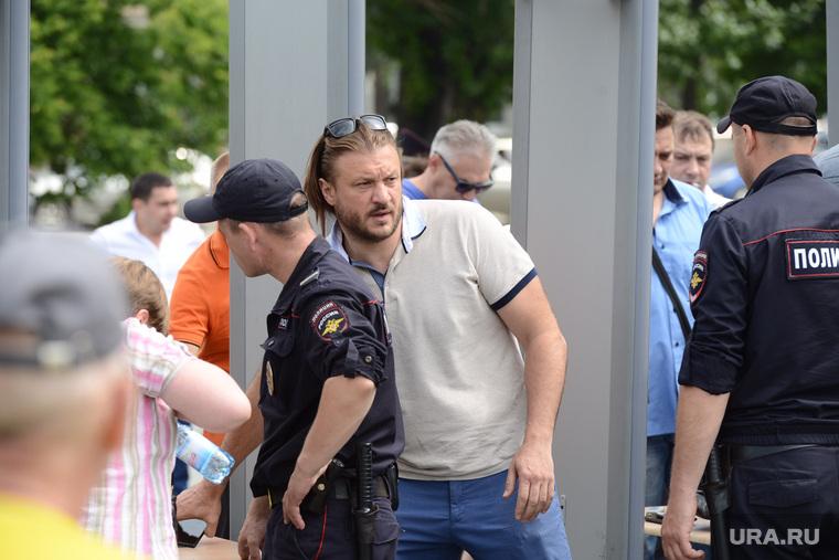 Митинг СР против повышения пенсионного возраста. Челябинск, сандаков николай, полиция
