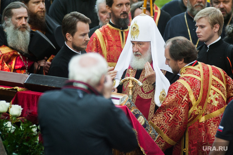 Крестный ход, приуроченный к 100-летию со дня убийства царской семьи. Екатеринбург , патриарх кирилл