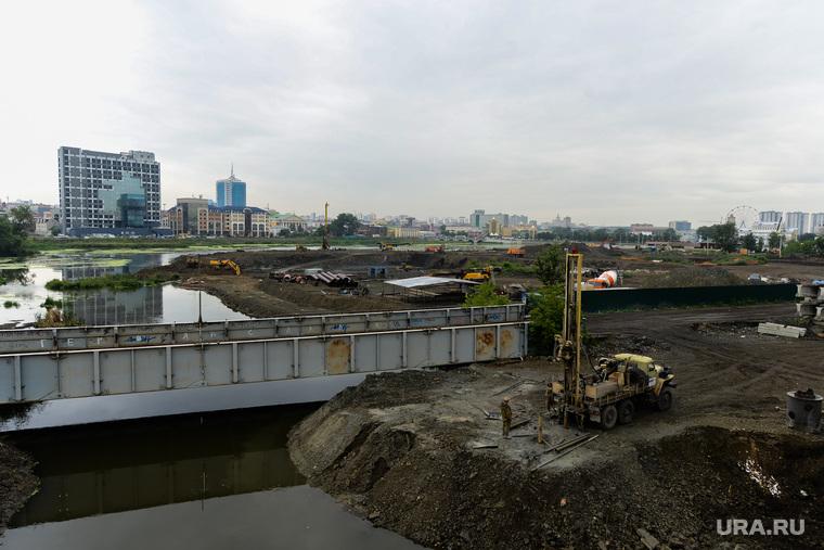 Строительство объектов к саммитам ШОС и БРИКС. Челябинск, стройка, строительство конгресс-холла, набережная реки миасс