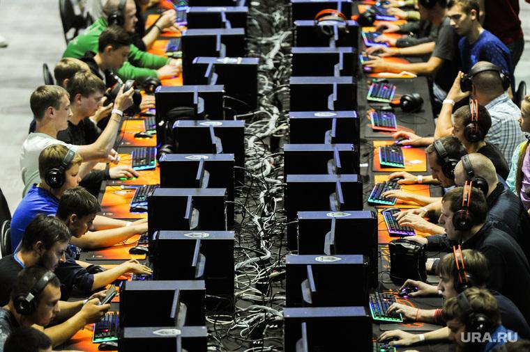 Соревнования посвященные восьмилетию компьютерной игры World of Tanks. Челябинск, компьютерная игра, молодежь, хакеры, ворлд оф тэнкс, компьютерные пираты, игровая зона