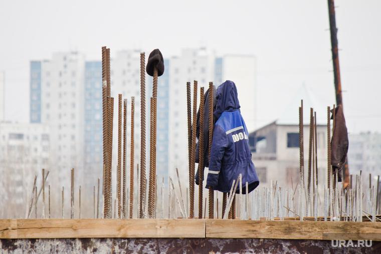 Стройка окружной больницы. Нижневартовск., арматура, куртка, стройка