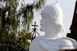 Праздник памятисвятого благоверногокнязя АлександраНевского.Курган, скульптура александра невского