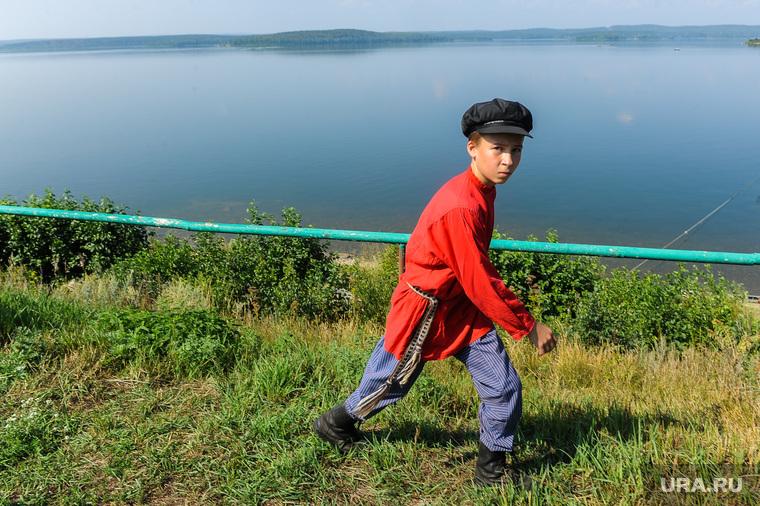 Пресс-тур по Синегорью Челябинск, деревня, чебаркуль, мальчик, село, озеро