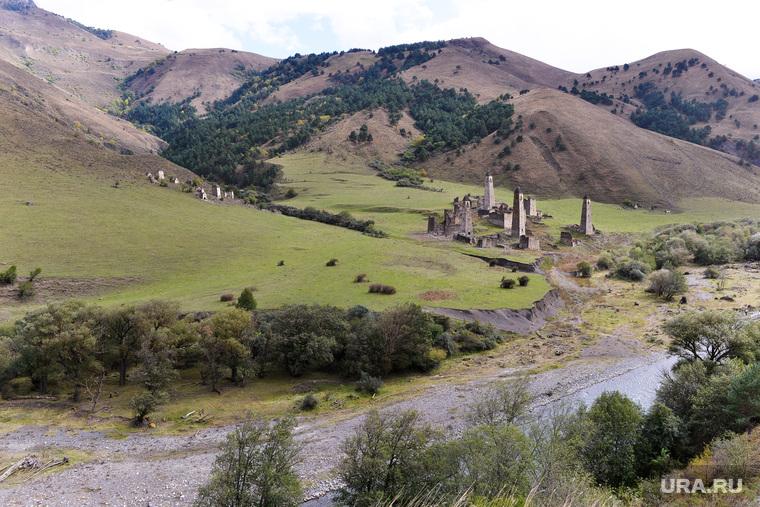 Ингушетия. Горы., боевые  башни, древнее поселение