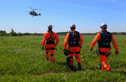 Землетрясение, вертолет, спасатели