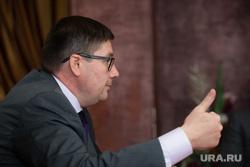 Интервью с вице-губернатором ХМАО Николаем Милькис. Сургут, большой палец, милькис николай