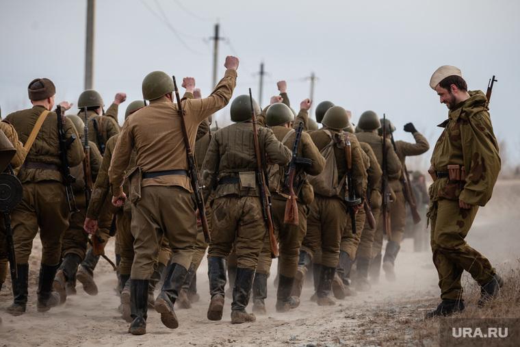 Реконструкция боевых действий Великой Отечественной войны. Сургут, вов, пехота, реконструкторы, солдаты, пехота на марше, великая отечественная война