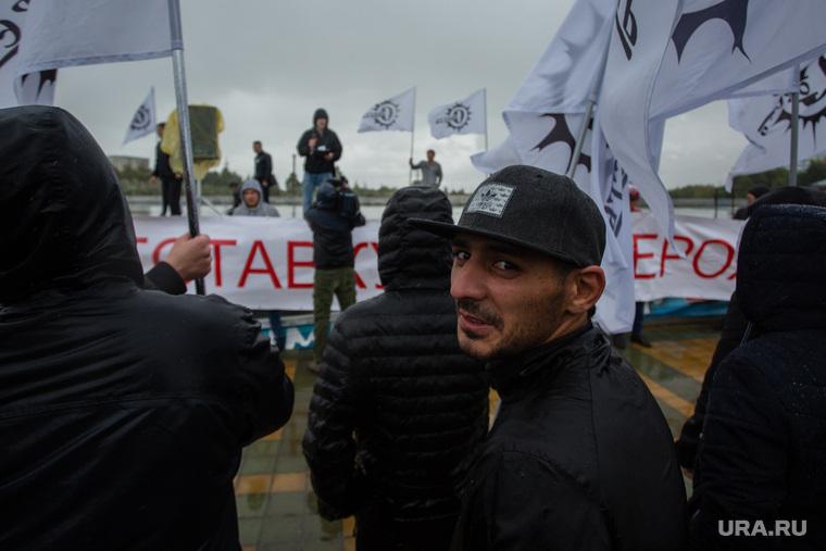 Митинг партии КПРФ против терроризма. Сургут, кавказец, кпрф, митинг, совесть