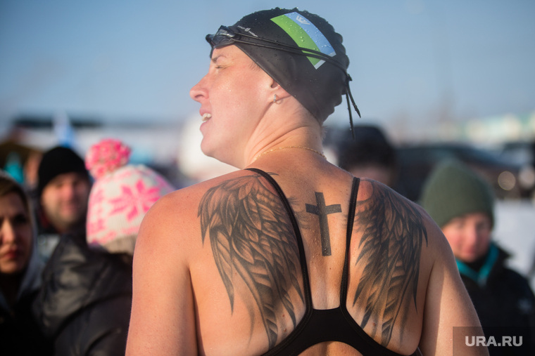 Окружной турнир по Зимнему плаванию. Сургут, татуировка, тату, моржи, татуировка на спине, заплыв, прорубь, зимнее плавание, зож