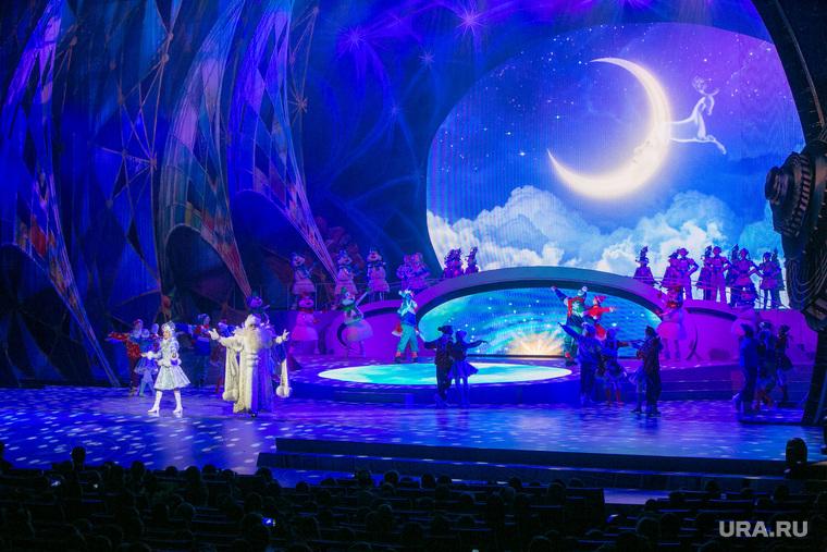 Новогодняя елка в Кремле. Москва, сцена, дед мороз и снегурочка, представление, новогоднее представление