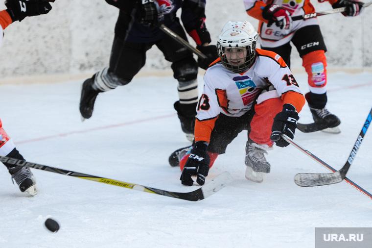 Детский дворовый хоккей. Матч команд ДДХЛ и Металлург(Карабаш). Челябинск, детский дворовый хоккей