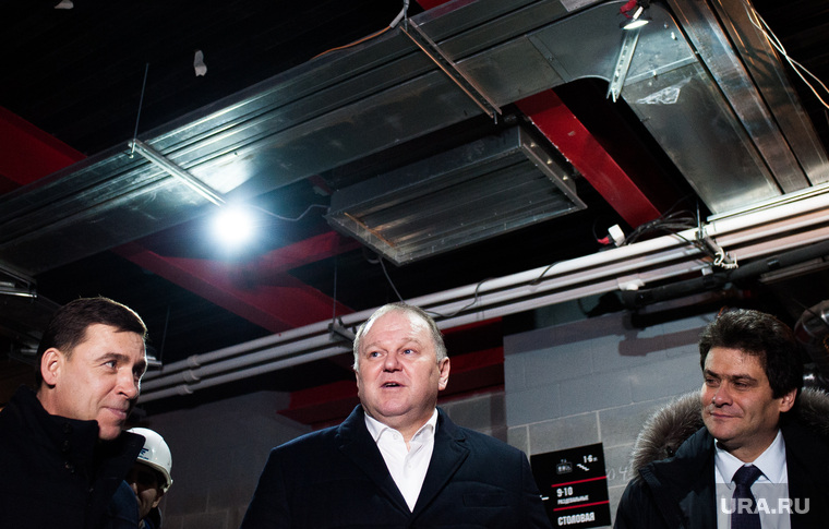 Презентация проекта хоккейной арены «Авто» в микрорайоне «Солнечный». Екатеринбург, высокинский александр, куйвашев евгений, цуканов николай