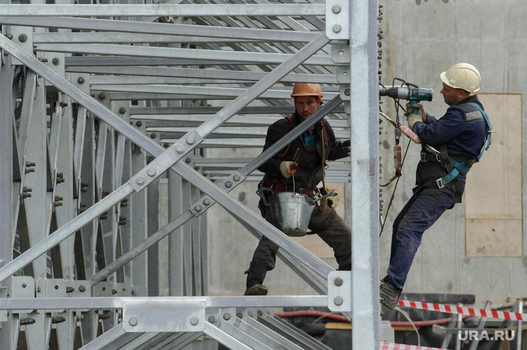 Реконструкция Центрального стадиона к ЧМ-2018 по футболу. Екатеринбург, рабочие, монтажные работы, строительная площадка, строительство