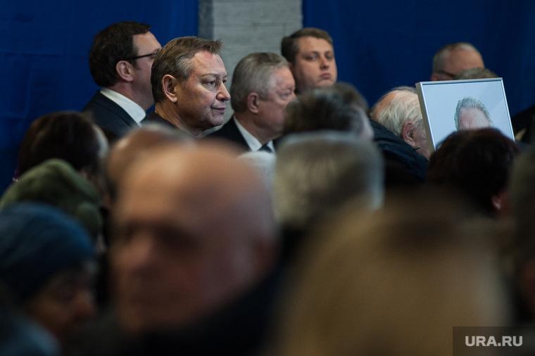 Прощание с бывшим гендиректором Завода имени Калинина Александром Тизяковым. Екатеринбург, косинцев александр