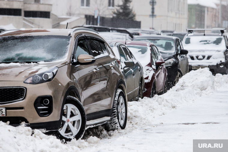 Морозы. Клипарт. Курган, парковка, машины в снегу, снег, зима