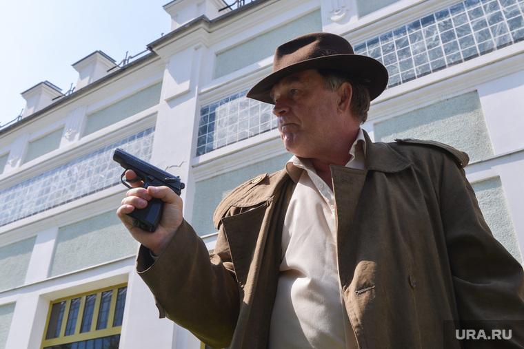 Съемка фильма про маньяка. Челябинск, разбой, бандит, пистолет, оружие, гангстер, убийца, смирнов сергей