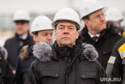 Церемония ввода в эксплуатацию комплекса месторождений Эргинского кластера в Кондинском районе. Ханты-Мансийск, медведев дмитрий, медведев в каске