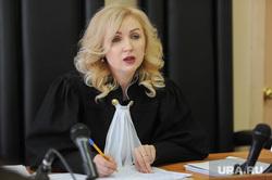 Суд по делу экс-директора СК Гринфлайт Сергея Мануйлова, в суде Центрального района. Челябинск