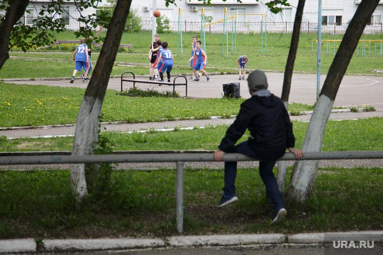 Школы. Пермь, одиночество, дети, педофилия, школа, педофил, игра, дети без присмотра, спорт, школьники