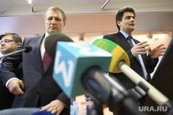 Встреча депутатов гордумы со сторонниками и противниками храма в сквере. Екатеринбург