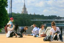 Виды Москвы. Воробьевы горы, Андреевская набережная