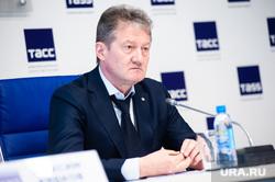 Пресс-конференция, посвященная подведению итогов прошедшего сезона ХК  «Автомобилист». Екатеринбург