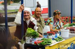 Незаконная уличная торговля. Рынки. Челябинск