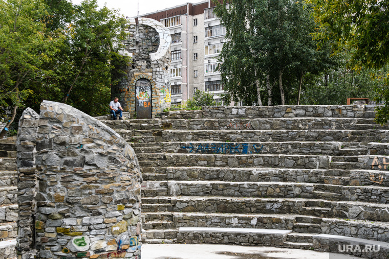 Парки и скверы Екатеринбурга, сквер Первых строителей МЖК