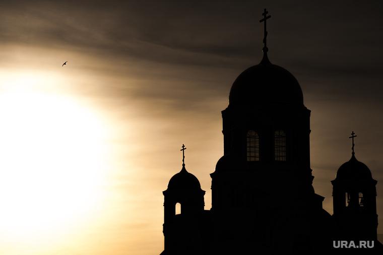 Улицы, названные в честь революционеров. Екатеринбург , храм на крови, храм, вера, кресты, рассвет, православие, рпц, русская православная церковь, закат