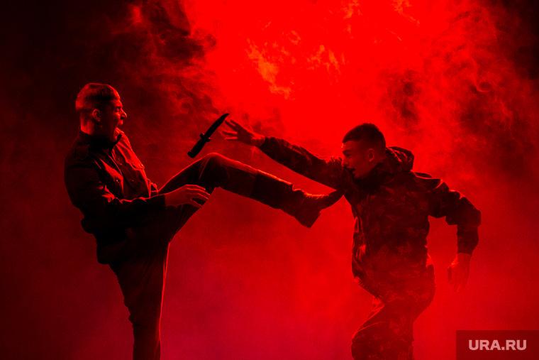 Праздничный концерт в Президентском Кадетском Училище посвященный 23 февраля. Тюмень, драка, война, показательные выступления, агрессия