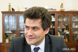 Александр Высокинский после ночи подсчета голосов опроса. Екатеринбург