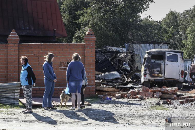 Последствия взрыва газа в жилом доме по ул. Набережная в посёлке Боровский. Тюмень