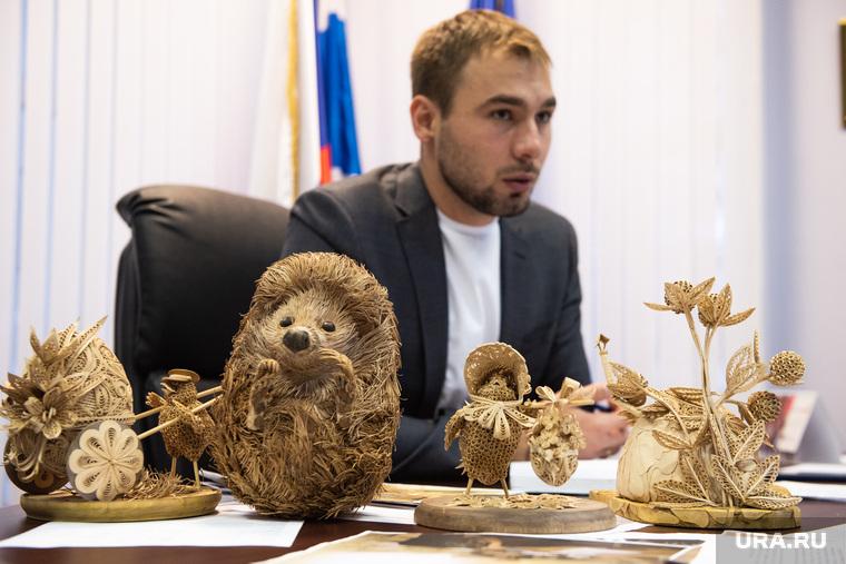 Первый прием депутата Государственной Думы от Серовского одномандатного округа Антона Шипулина в Екатеринбурге