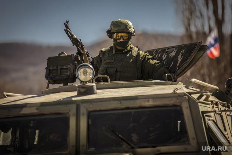 https://s.ura.news/images/news/upload/articles/279/745/1036279745/184674_Sevastopoly_i_Simferopoly_2014_2016_Krim_voennie_soldati_vezhlivie_lyudi_armiya_760x0_3543.2362.0.0.jpg