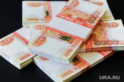 Деньги, валюта, банкноты, рубли, евро. Челябинск