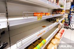 Ситуация в супермаркете Перекресток на фоне ажиотажа связанного с эпидемией коронавируса. Челябинск