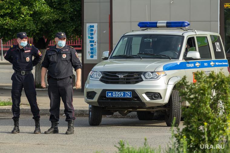 Клипарт. Магнитогорск, полицейские, патруль, медицинская маска, полицейский автомобиль